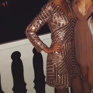 Gianni Bini champagne long sleeve sequin dress